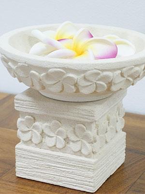 石彫り プルメリア睡蓮鉢